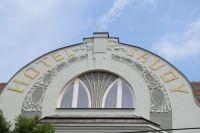 Rekonstrukce uliční a dvorní fasády, dodávka a montáž ocelové markýzy včetně světelné reklamy hotelu SAVOY, Keplerova 6, 8, Praha 1
